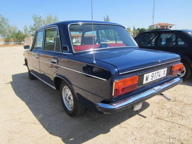 asociacion_de_coches_clasicos_los_cacharritos_la_torre_201307.jpg