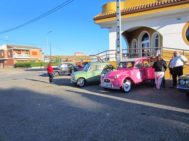 asociacion_de_coches_clasicos_los_cacharritos_parador_de_oropesa002.jpg