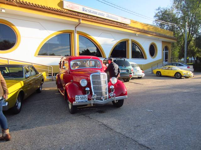 asociacion_de_coches_clasicos_los_cacharritos_parador_de_oropesa003.jpg