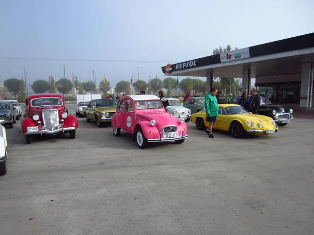 asociacion_de_coches_clasicos_los_cacharritos_parador_de_oropesa008.jpg