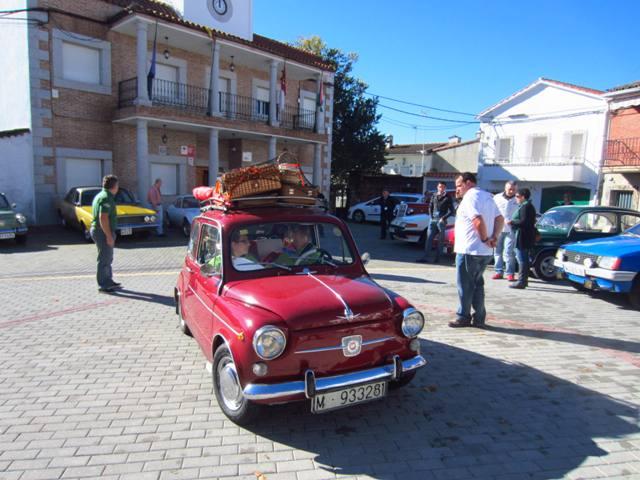 asociacion_de_coches_clasicos_los_cacharritos_parador_de_oropesa025.jpg