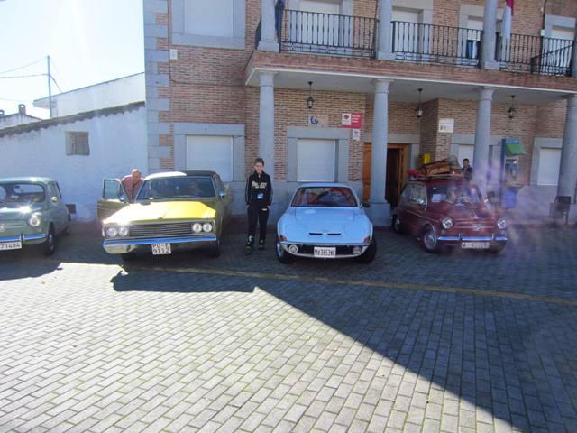 asociacion_de_coches_clasicos_los_cacharritos_parador_de_oropesa027.jpg