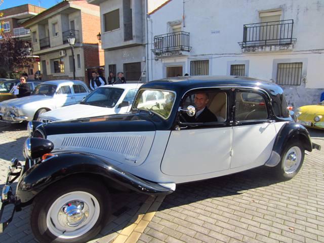 asociacion_de_coches_clasicos_los_cacharritos_parador_de_oropesa033.jpg