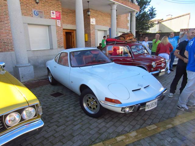 asociacion_de_coches_clasicos_los_cacharritos_parador_de_oropesa035.jpg