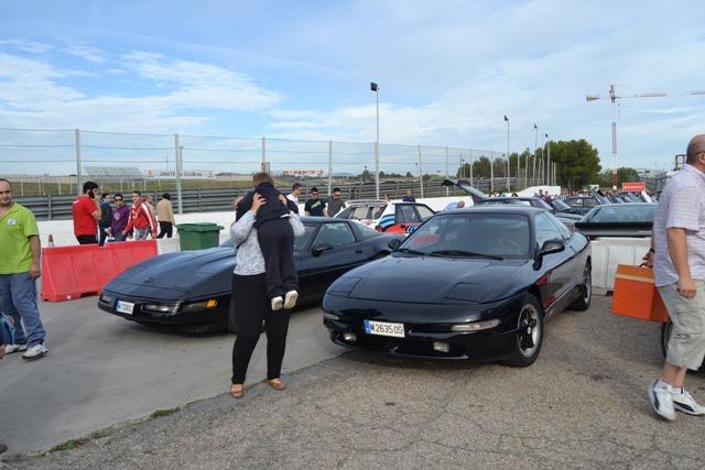asociacion_de_coches_clasicos_los_cacharritos_jpa_del_circuito_del_jarama_201405.jpg