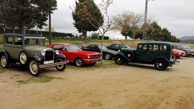 asociacion_coches_clasicos_los_cacharritos_finca_el_borril_polan03.jpg