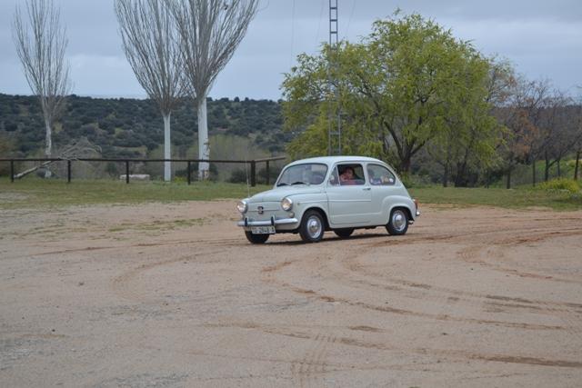 asociacion_coches_clasicos_los_cacharritos_finca_el_borril_polan08.jpg